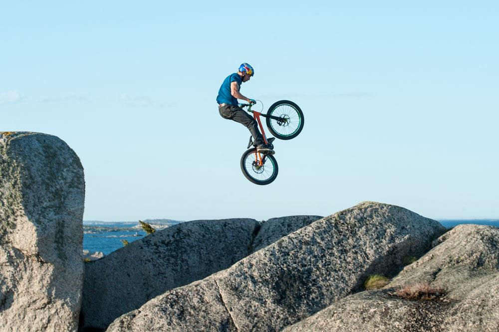 Mountainbike Hallskär Redbull POC